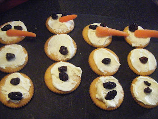 http://abcsofjesshouse.blogspot.com/2012/01/snowman-game-and-snack.html