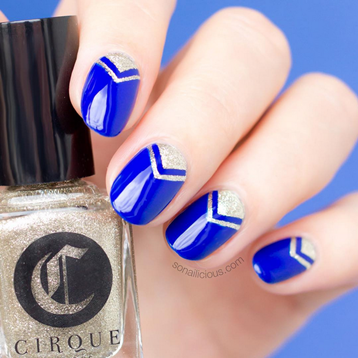 Nail art azul e prata de Maria Vlezko do So Nailicious