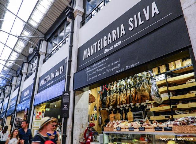 Manteigaria Silva, casa especializada em queijos e frios no Mercado da Ribeira, Lisboa