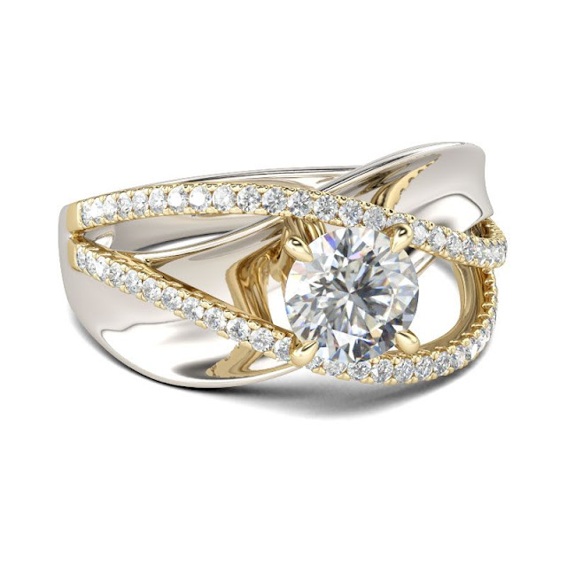 engagament ring from Jeulia