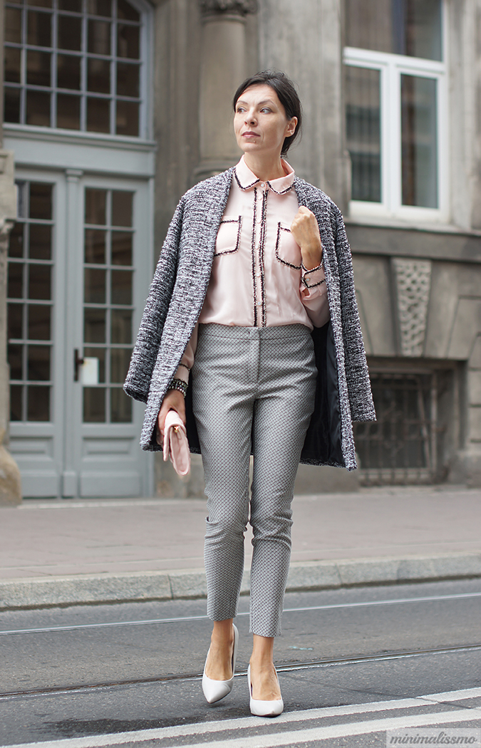 https://minimalissmo.blogspot.com/2016/09/dezzal-blouse.html