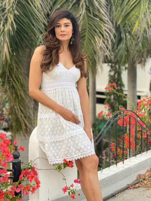 Indian Actress Pooja Batra Latest Hot and Sexy Photos Actress Trend