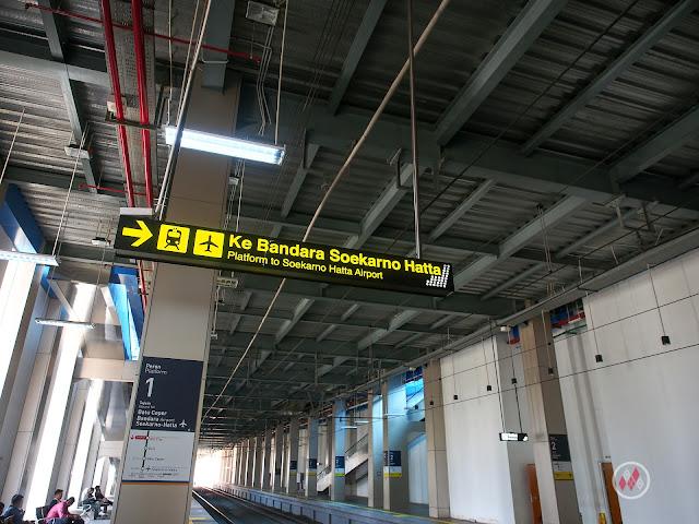 KAI Bandara - BNI City Platform 1 to SHIA Railink 蘇加諾・哈達機場鐵路 - Soekarno-Hatta Airport Train / KAI Bandara