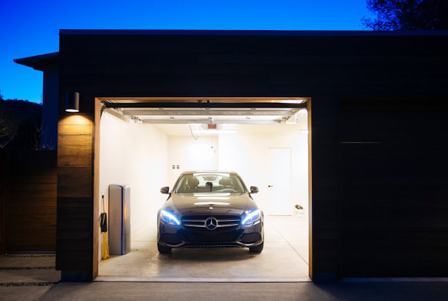 Mercedes-Benz brings its home battery to the US Reviews