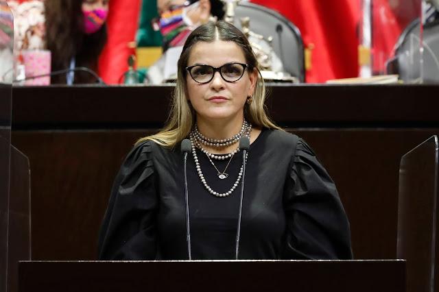 """El sector cultural vive su peor momento, entre el abandono y el """"austericidio""""; urge que lo apoyemos: Cecilia Patrón"""