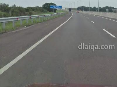pemandangan dan kondisi jalan tol