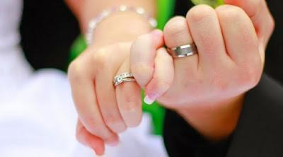 Jawaban kenapa cincin pernikahan harus di jari manis