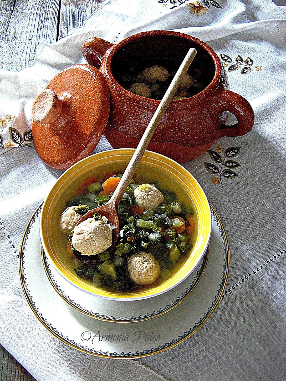 Dārzeņu Zupa ar Vistas Frikadelēm - Zuppa di Verdure con Polpette di Pollo di Armonia Paleo