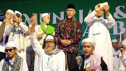 Hadiri Reuni 212, Wali Kota Padang Disambut Para Ulama dan Eluan Massa