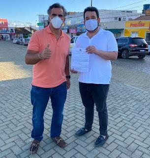 Zé Cocá e Leur Lomanto Junior viabilizam obras em Maracás