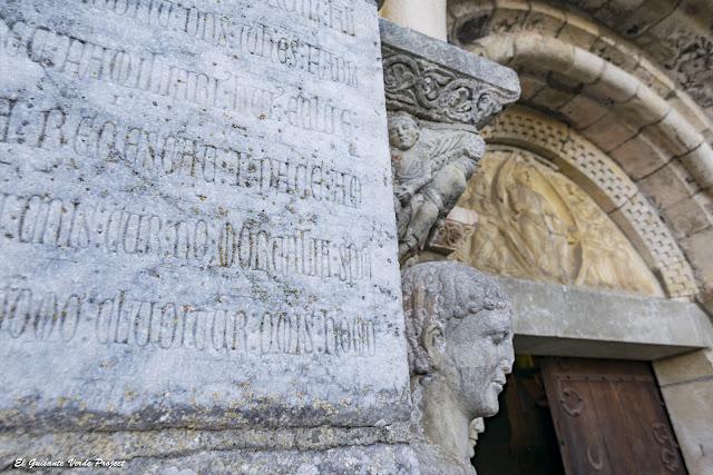 Saint Just de Valcabrere, inscripción latina reutilizada, por El Guisante Verde Project