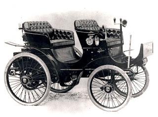 Peugeot tipo 15. Santos Dummont trouxe um dos primeiros carros do Brasil.