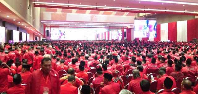 "Zulkifli Hasan dan Kwik Kian Gie Dihadiahi ""Huuuuuu"" dari Kader PDIP"