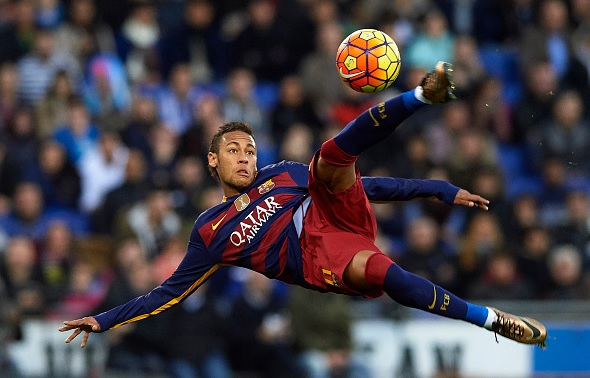 Neymar to seal new Barcelona deal