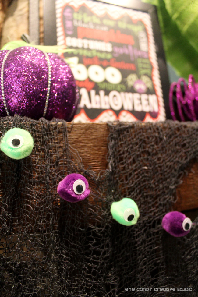eyeballs made from pom ppoms, how to make halloween garland
