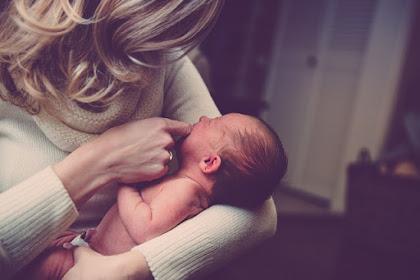 Cara dan Waktu Terbaik Memberikan ASI Bagi Bayi