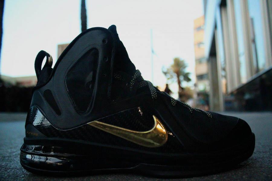 wholesale dealer 806f8 1d3e7 04 28 12 Nike LeBron 9 P.S. Elite  Away  516958-002 Black Metallic Gold- Black  250.00