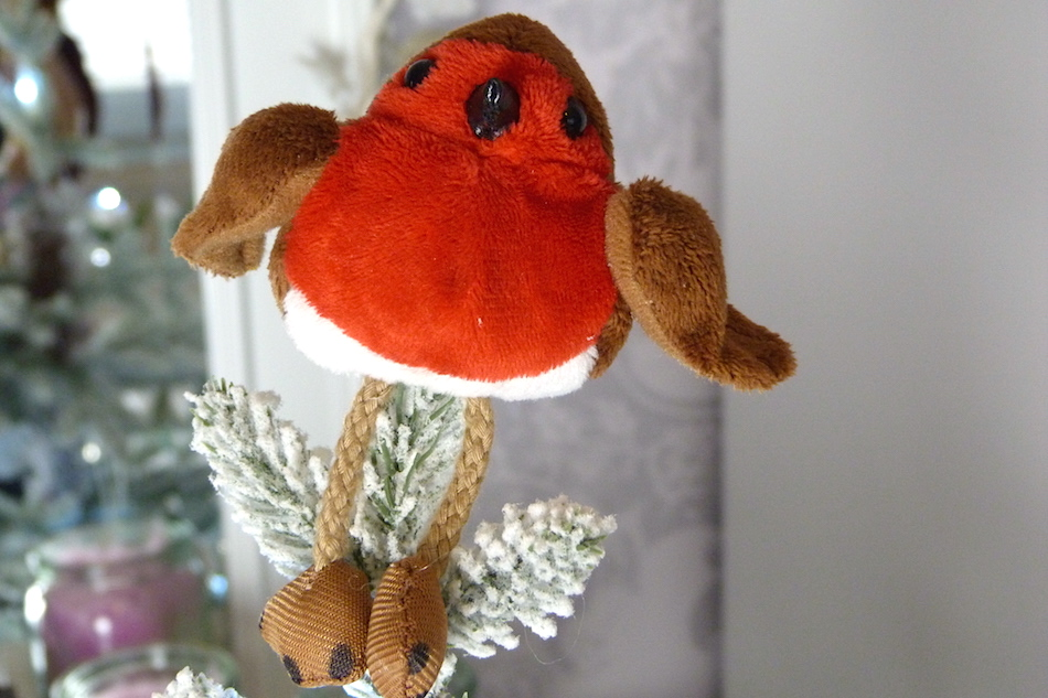 an image of robin christmas tree topper
