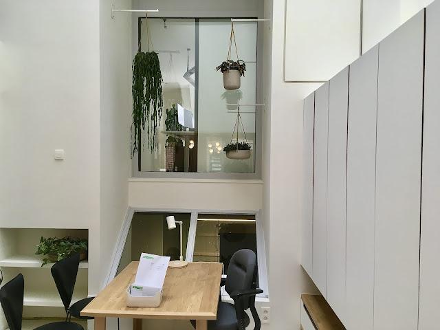 Klimplanten en retro plantenbak op poten met klimrek voor binnen of buiten op terras in beton hout riet pvc metaal in Limburg Vlaams Brabant Antwerpen Brussel