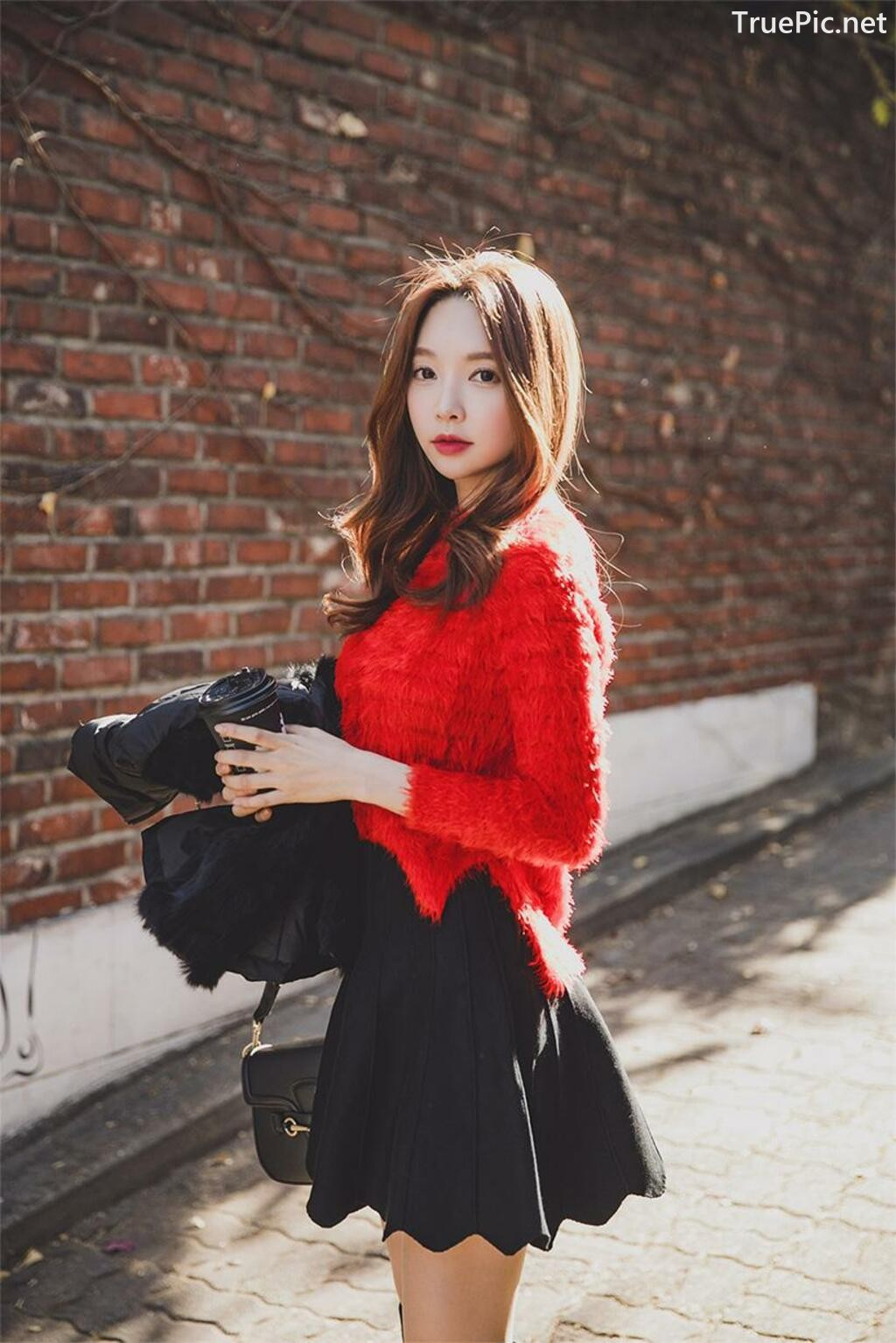 Image-Korean-Fashion-Model-Park-Soo-Yeon-Beautiful-Winter-Dress-Collection-TruePic.net- Picture-7