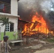 Incendio consume vivienda en la calle Camino Real de Veracruz