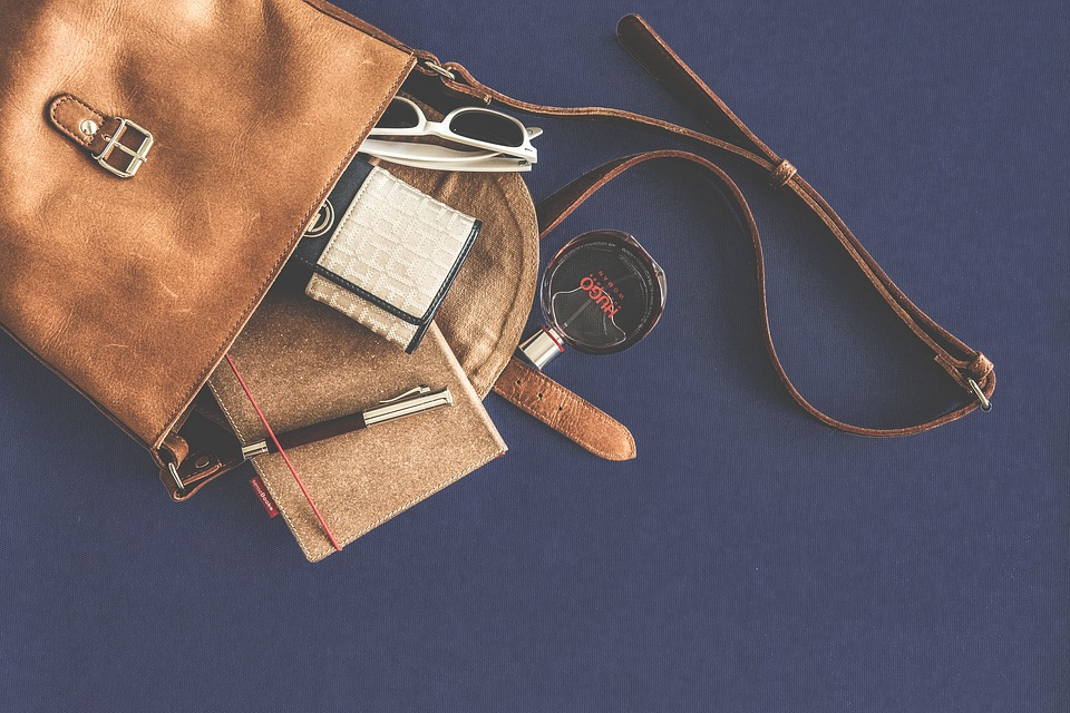 Rekomendasi Tote Bags Merek Lokal yang Wajib Anda Koleksi