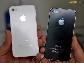 White iPhone 4 vs Black iPhone 4 Comparison: Similarities