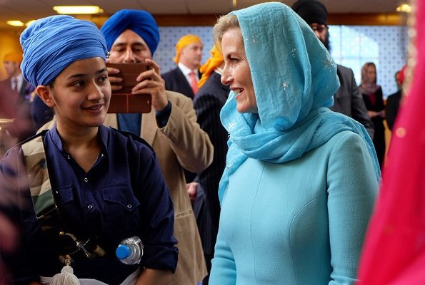 The Earl and Countess of Wessex visited the Sri Guru Singh Sabha to celebrate their new licensing to offer The Duke of Edinburgh Awards