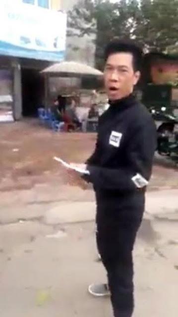 Đỗ ô tô ngoài đường Hà Nội bị chủ nhà kề bên đòi 30 ngàn: 'Công an bố mày cũng thu'