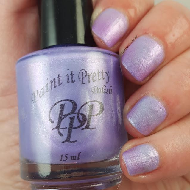 Pale-blue-to-purple-shifting-thermal-nail-polish