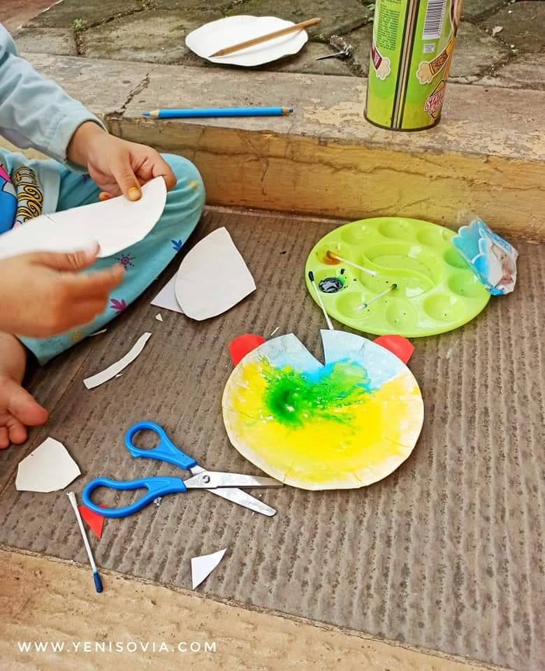 DIY dari piring kertas untuk anak 2 sampai 5 tahun