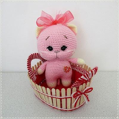 Розовый котенок крючком