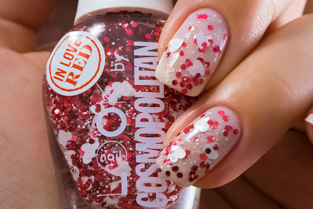 Naillook by Cosmopolitan 31447 Red in Love macro