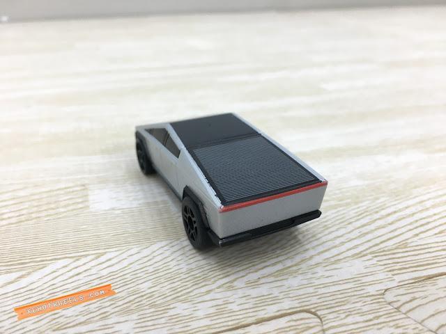 Xe Hotwheels điều khiển Tesla Cyber Truck 3