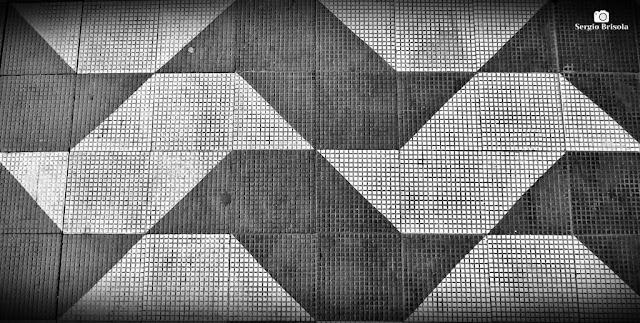Close-up de Calçada com padronagem São Paulo - Centro - São Paulo