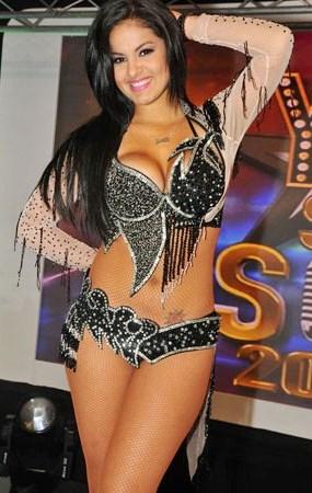 Katty García como bailarina de cumbia