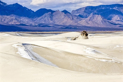 Visiting the White Sands National Monument with Mariko