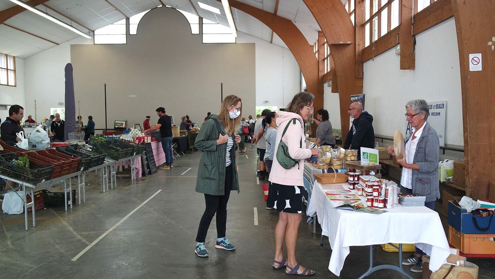 inside Espelette market