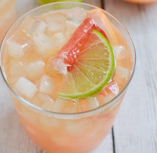 Grapefruit-Ginger Bourbon Sour #drinks #simplesyrup