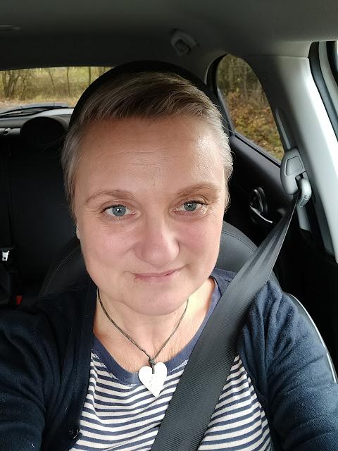 madmumof7 in car