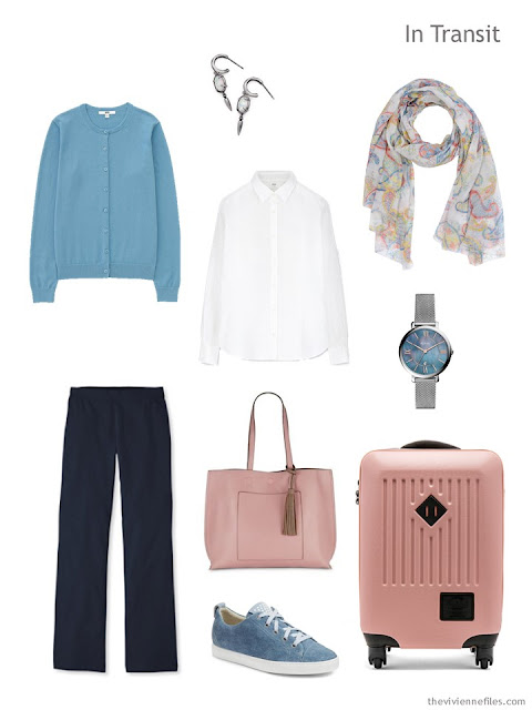 travel outfit in black, white and blue with blush accessories