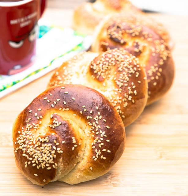 Turkish Tahini Sweet Rolls (Tahinli Ekmek)