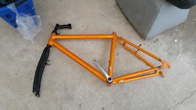 Fahrradrahmen entkernt