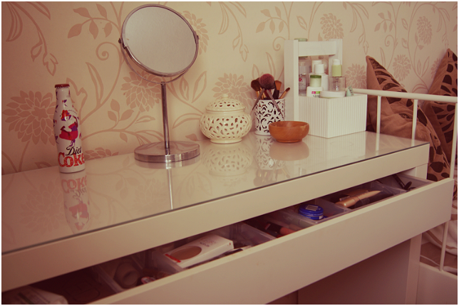 Ikea Bedroom Furniture Dressing Table Images. Ikea Bedroom Furniture Dressing Tables   Bedroom Style Ideas