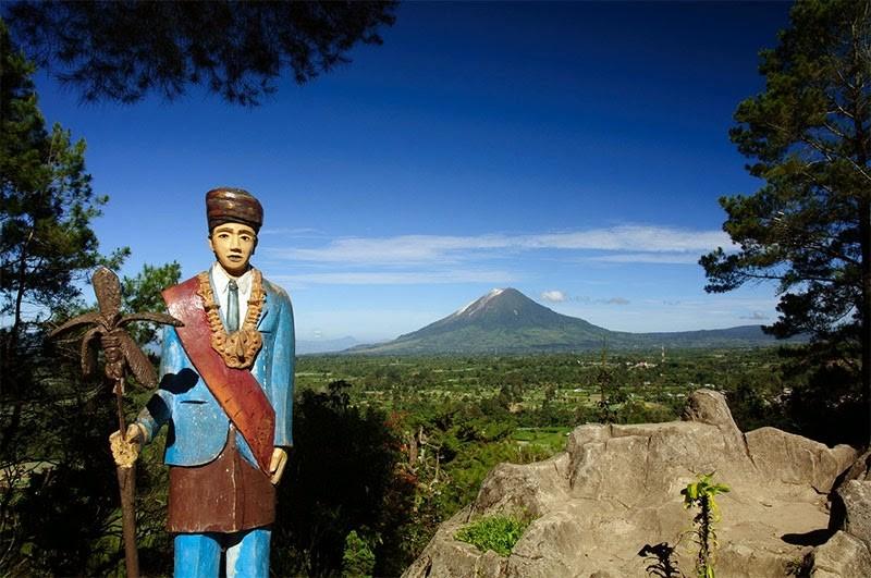Wisata Alam Sumatera Utara-Berastagi-Bukit-Gundaling