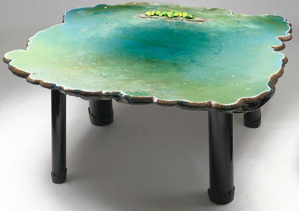 Diseño de mesa hecha con resina