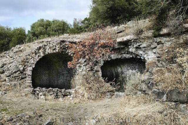 Cisternas abovedadas pertenecientes al antiguo complejo