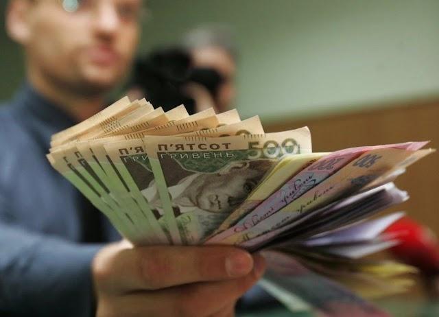МОЗ пообіцяло вирішити питання з триразовим збільшенням зарплати медикам вже завтра