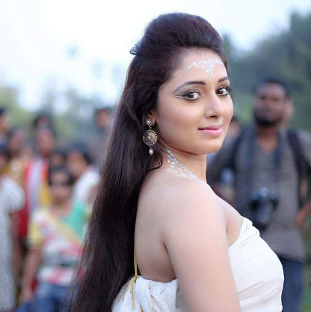 Mani Bhattacharya is a beautiful Actress of the Bhojpuri Cinema