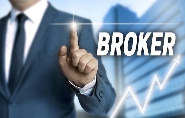 business brokers help company buyers make decisions M&A deals merger acquisition dealmaker